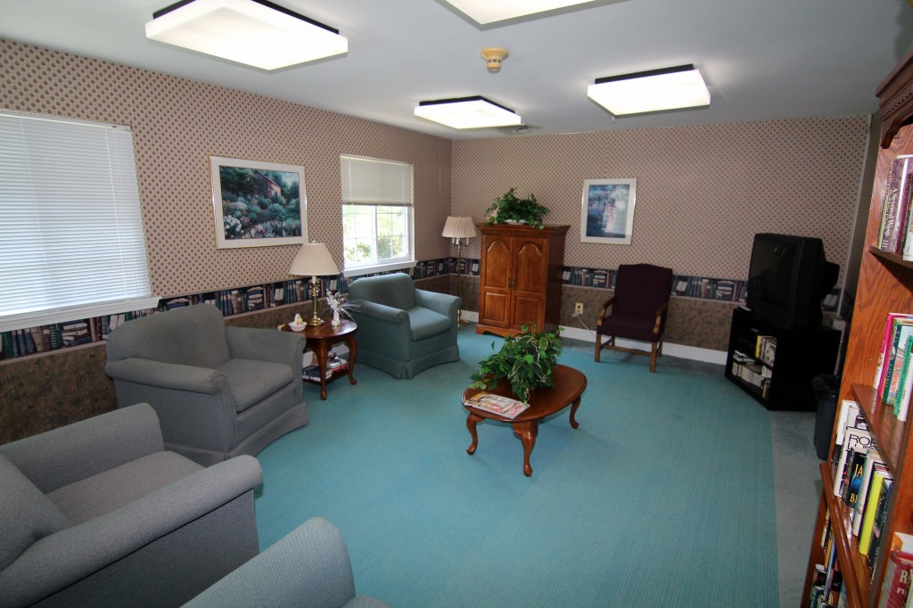 Bay Forest Tv Room
