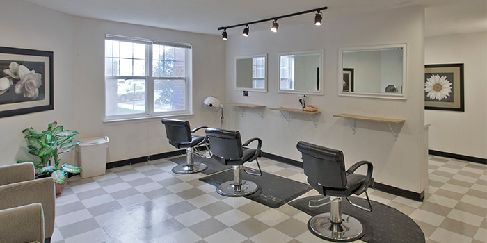 WC-Senior-salon