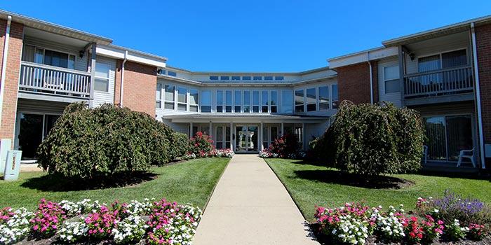 Woodbury_entrance